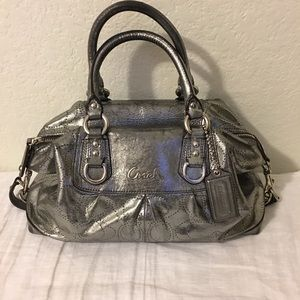 COACH hand and shoulder bag Sz  medium